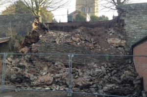 ludlow_town_walls_collapsed_300