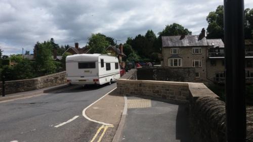 Ludford_Bridg_repairs_parapet_caravan_July_2016